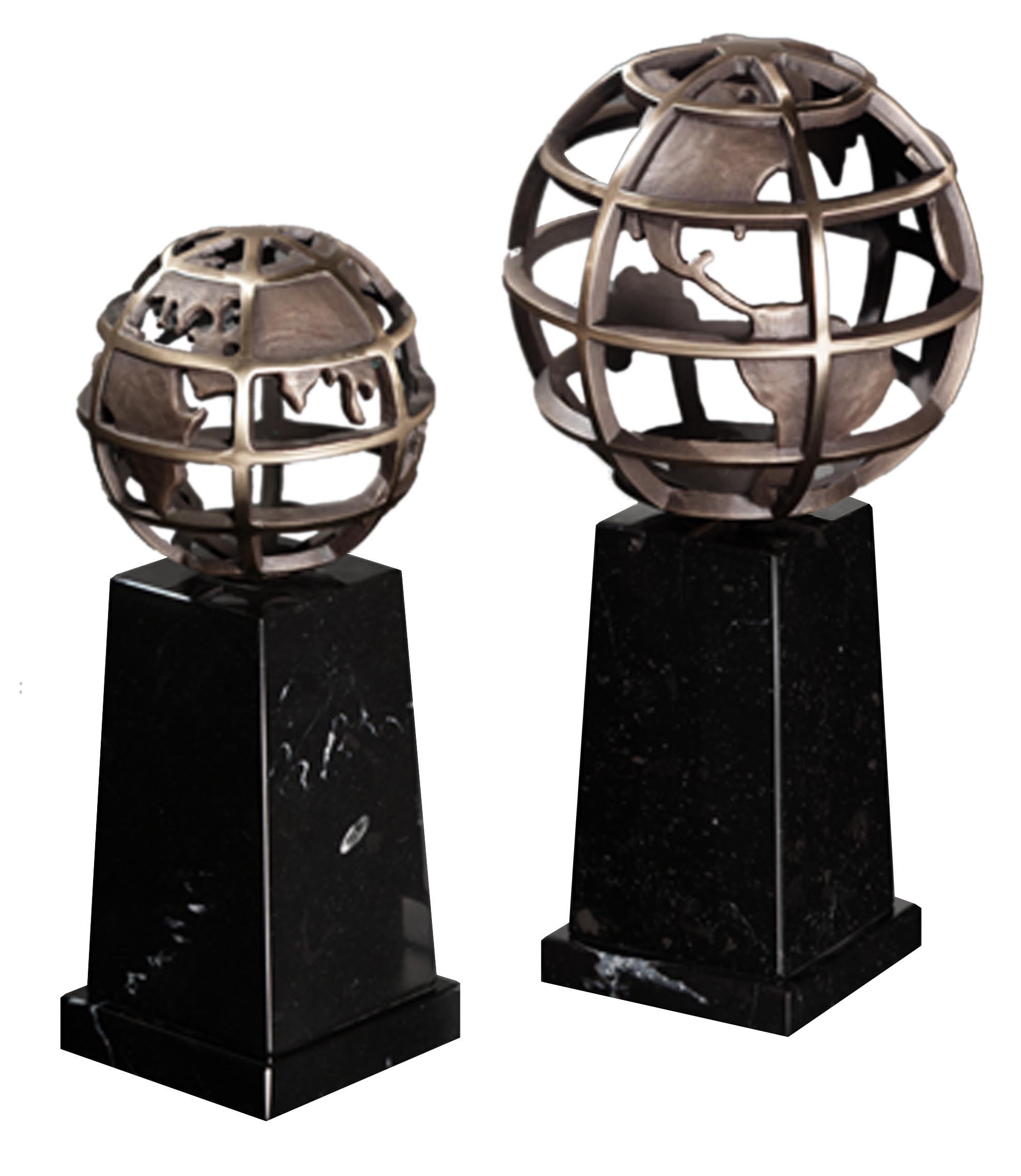 Pedestal Globe